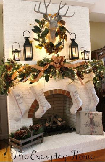 cheminée en habits de Noël