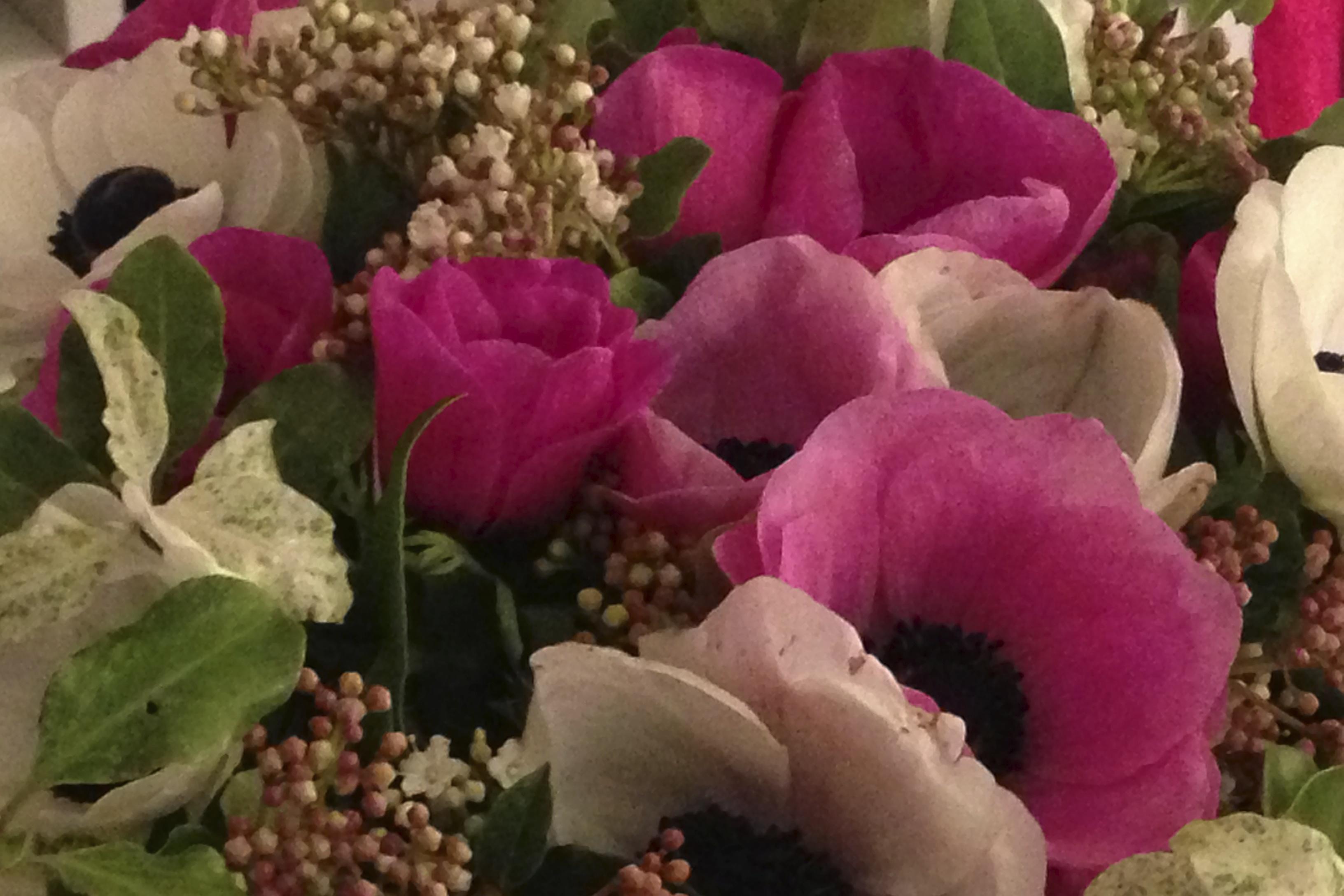 des brassées de fleurs