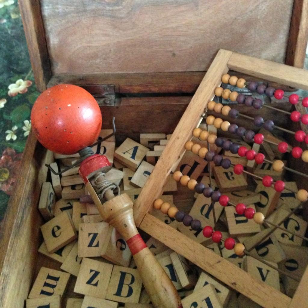 jeu de cubes et bilboquet