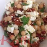 Salade de pois chiche, féta et tomates séchées