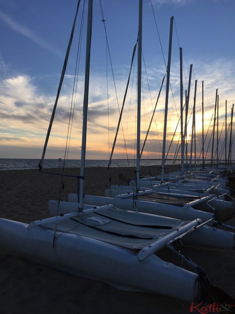 catamarans et coucher de soleil