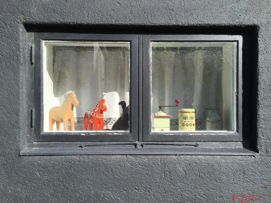 fenêtre décorée suédoise