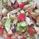 salade de poulet, avocats, concombre, pastèque, tomates