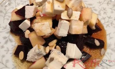 salade de betteraves, chèvre, pommes, pignons