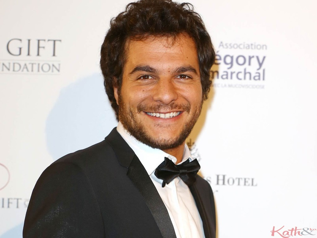 Amir-The-Voice-3-au-Global-Gift-Gala-a-Paris-le-12-mai-2014_exact1024x768_l