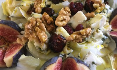 salade endives, figues, roquefort, cranberries, noix