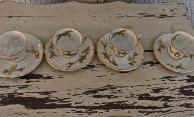 Tasses porcelaines anciennes